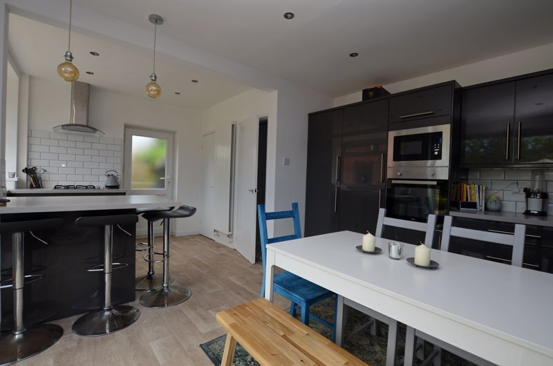 3 bed house for sale in Apsley Road 12