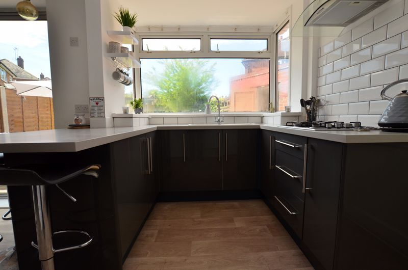 3 bed house for sale in Apsley Road 4
