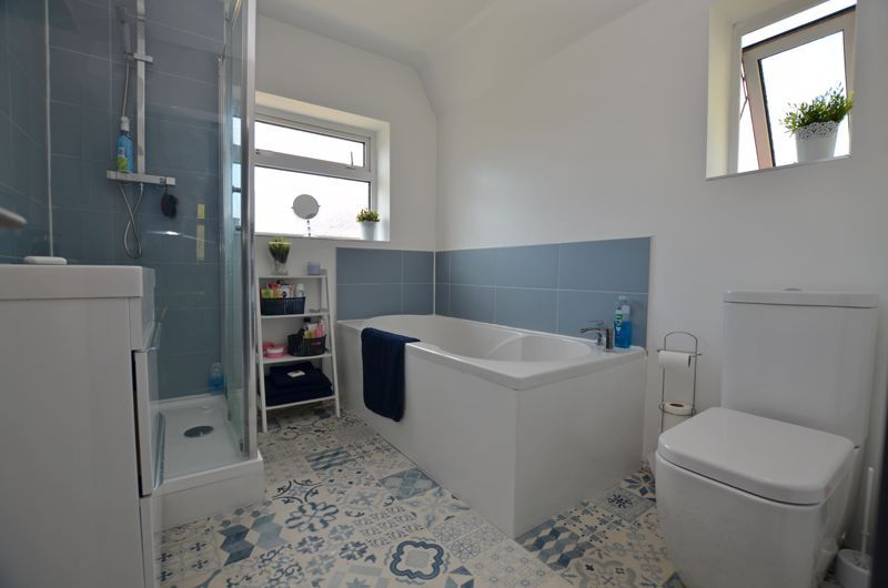 3 bed house for sale in Apsley Road 8