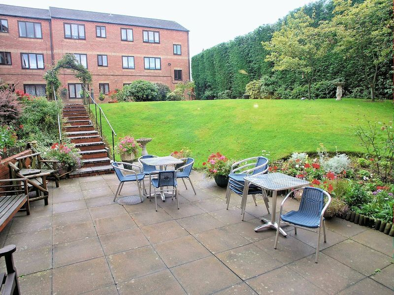 2 bed flat for sale in Sandon Road 9