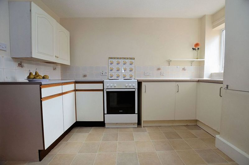 2 bed flat for sale in Sandon Road 10