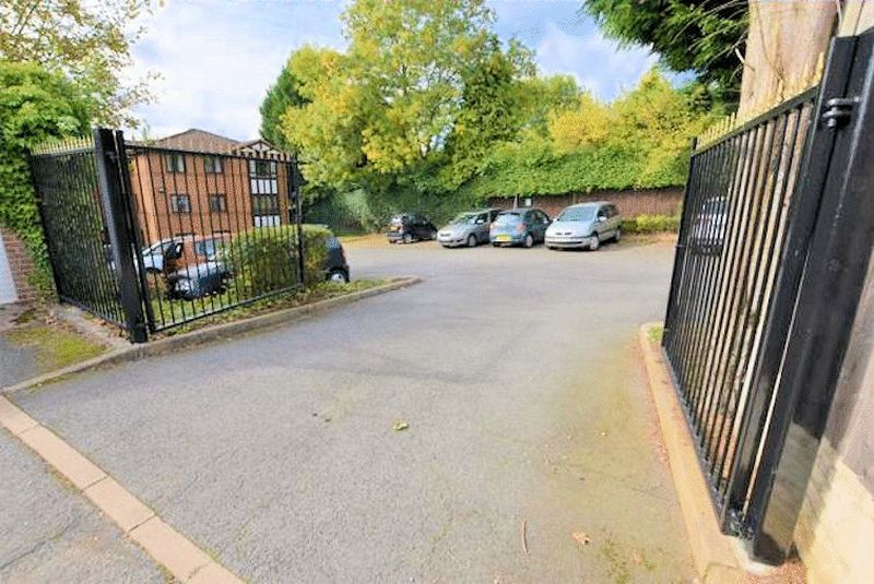 1 bed flat for sale in Hagley Road West 7