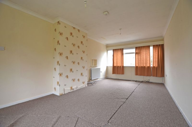 3 bed house to rent in Merritts Hill  - Property Image 5