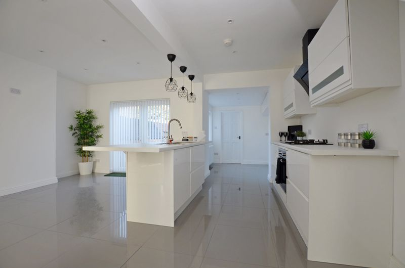 3 bed house for sale in Hagley Road West 2