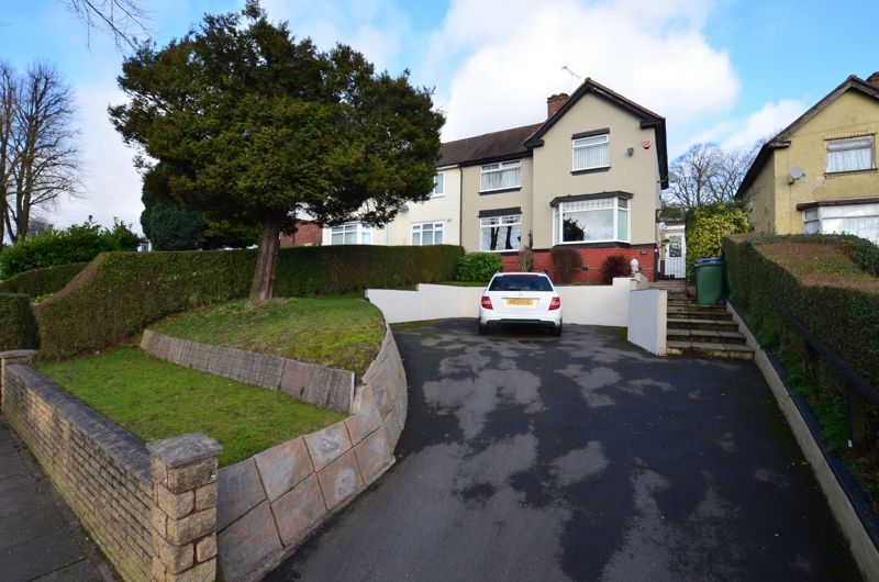 3 bed house for sale in Thimblemill Road - Property Image 1