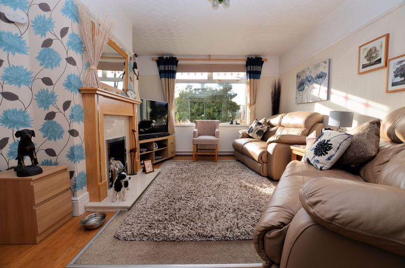 3 bed house for sale in Thimblemill Road 2