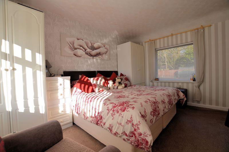3 bed house for sale in Thimblemill Road 14