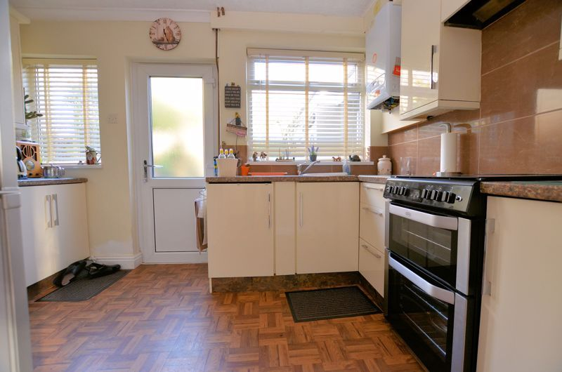 3 bed house for sale in Thimblemill Road 4