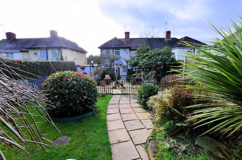 3 bed house for sale in Thimblemill Road 9
