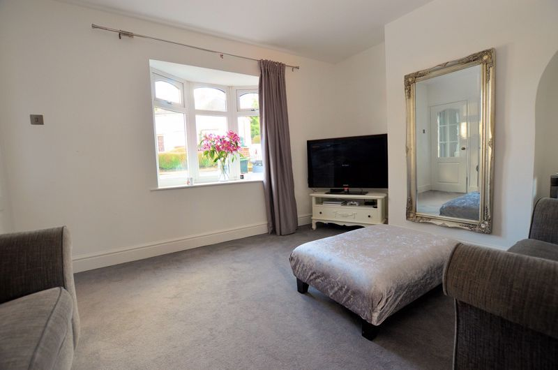 3 bed house for sale in Alexander Road  - Property Image 2