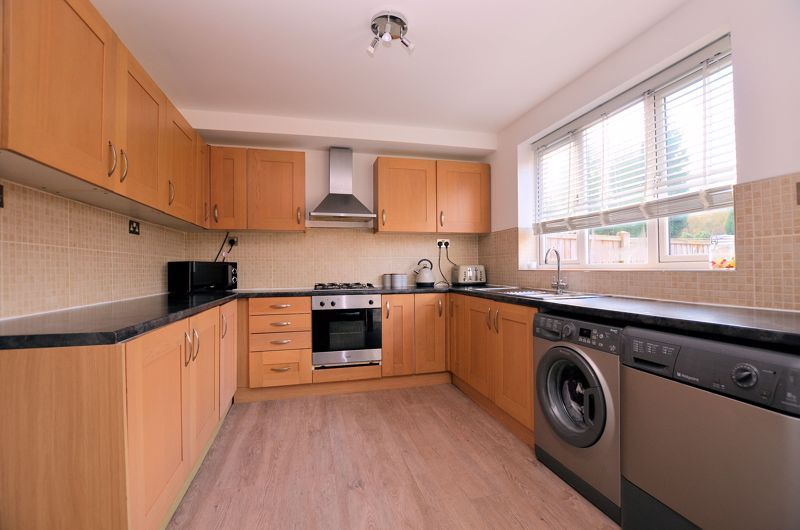 3 bed house for sale in Alexander Road  - Property Image 3