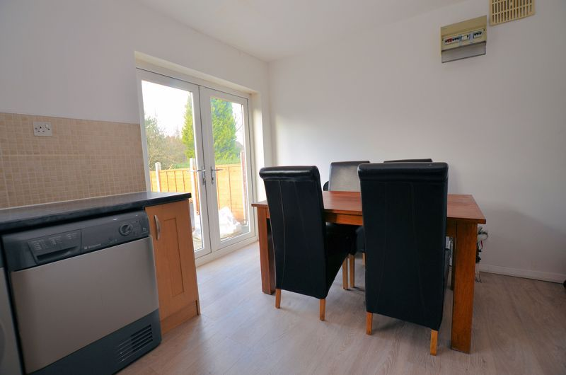 3 bed house for sale in Alexander Road  - Property Image 4