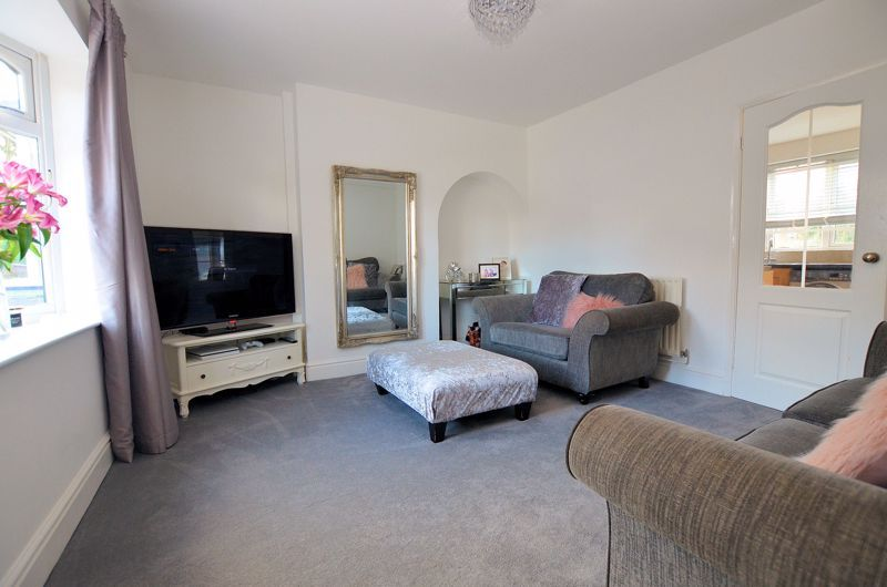 3 bed house for sale in Alexander Road  - Property Image 9