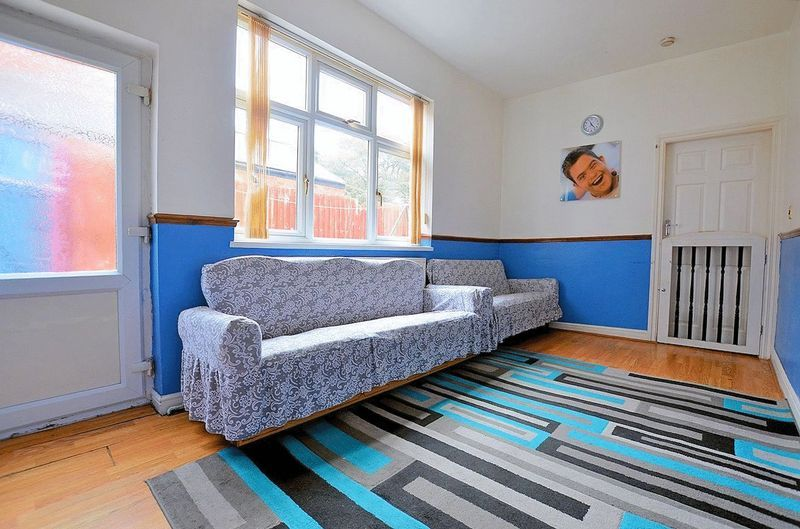 5 bed house for sale in Bearwood Road  - Property Image 14