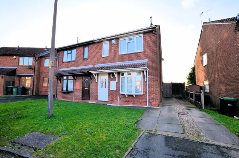 3 bed house for sale in Garratt Close - Property Image 1