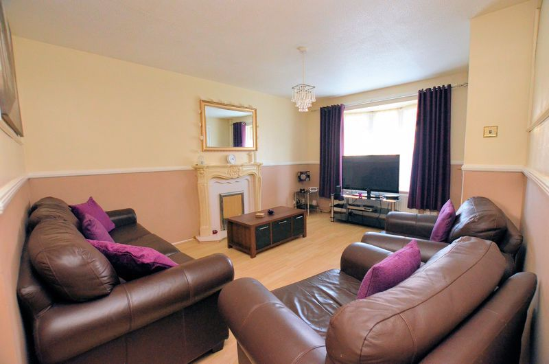 3 bed house for sale in Garratt Close 2