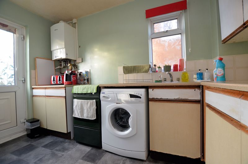 3 bed house for sale in Garratt Close  - Property Image 4