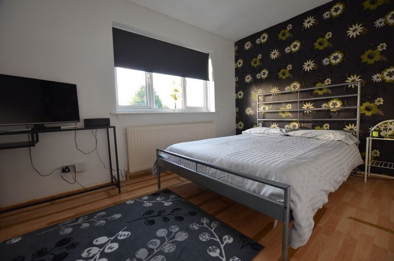3 bed house for sale in Garratt Close 5