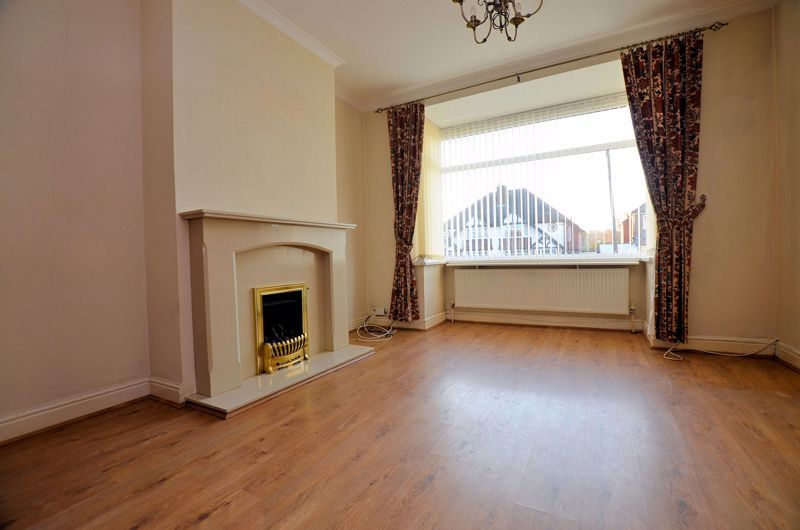 3 bed house for sale in Clive Road 2