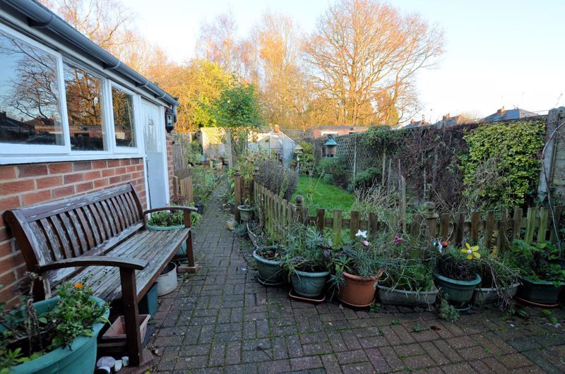 3 bed house for sale in Clive Road 10