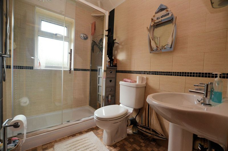3 bed house for sale in Bodenham Road 5