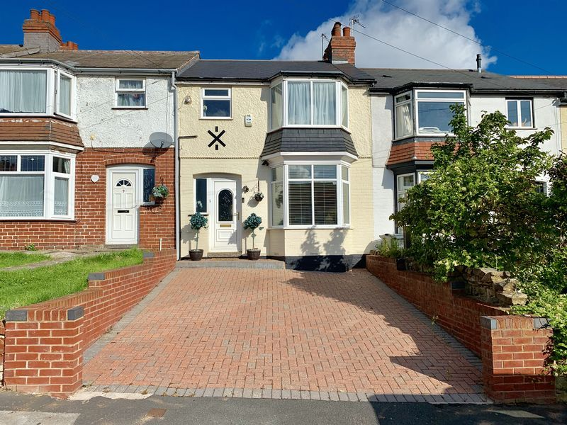 3 bed house for sale in Aubrey Road 1