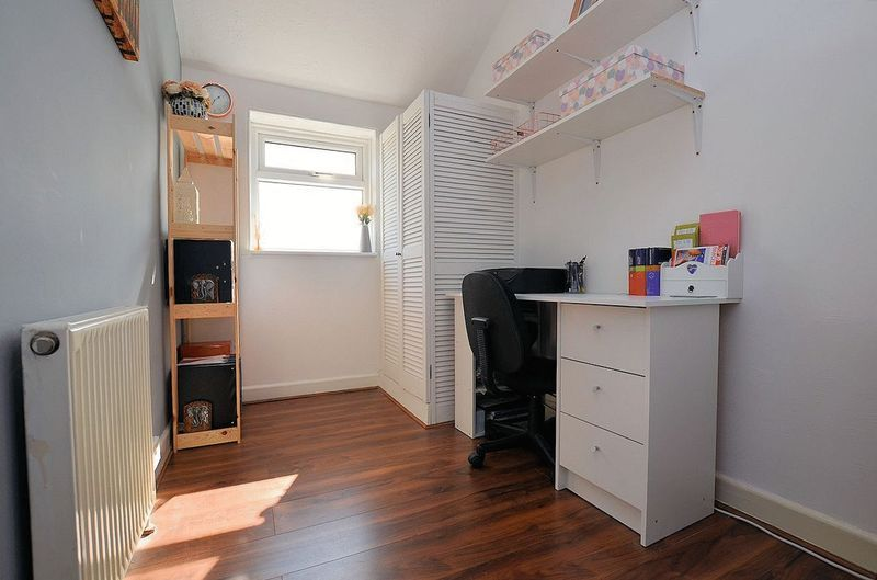 3 bed house for sale in Aubrey Road                   15