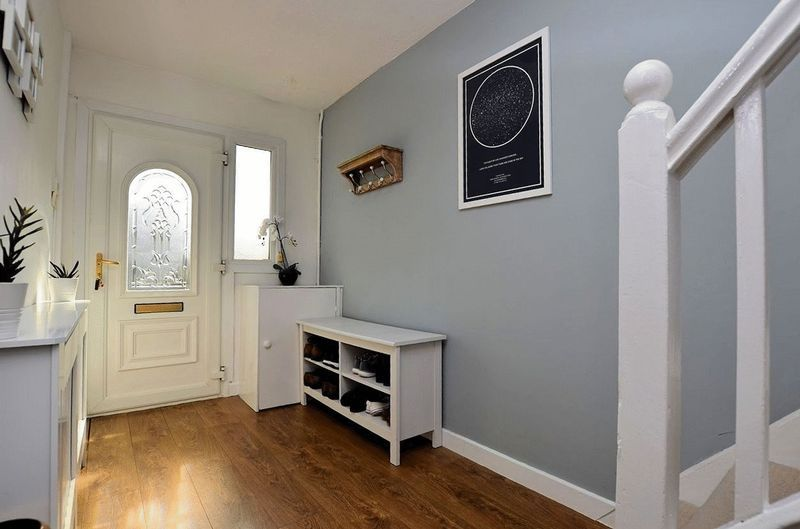 3 bed house for sale in Aubrey Road                   6
