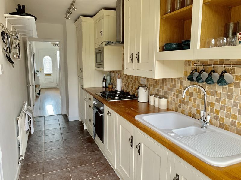 3 bed house for sale in Aubrey Road 7
