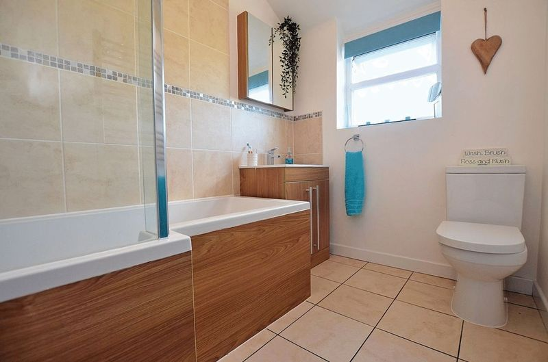 3 bed house for sale in Aubrey Road                   9