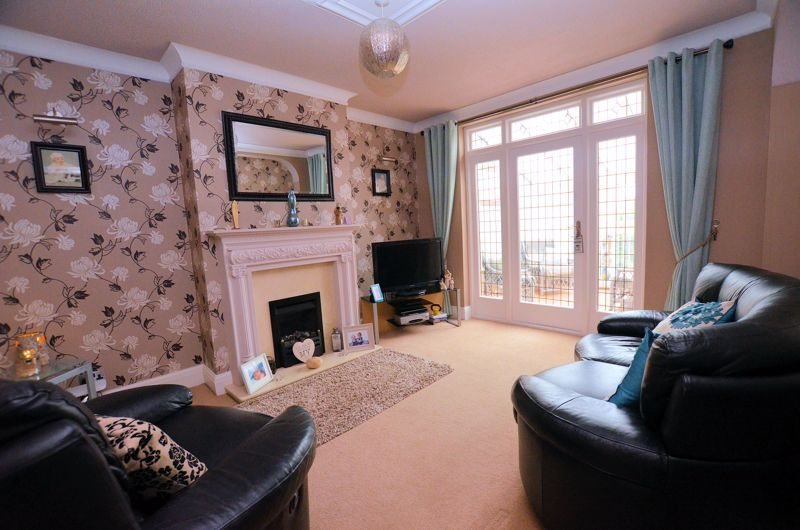 4 bed house for sale in Brandhall Road 2