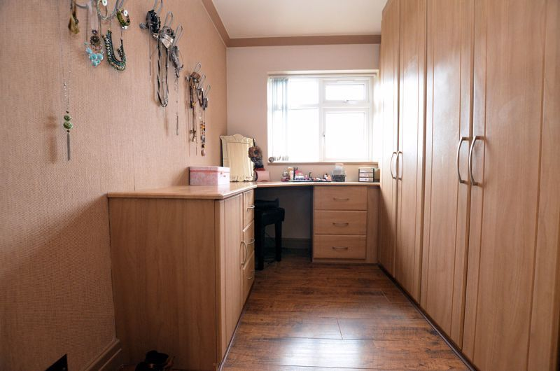 4 bed house for sale in Brandhall Road  - Property Image 14