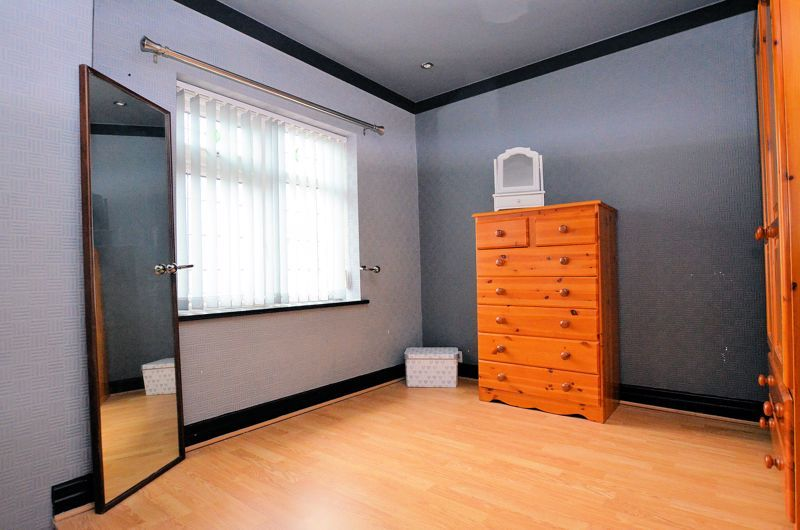 4 bed house for sale in Brandhall Road  - Property Image 16