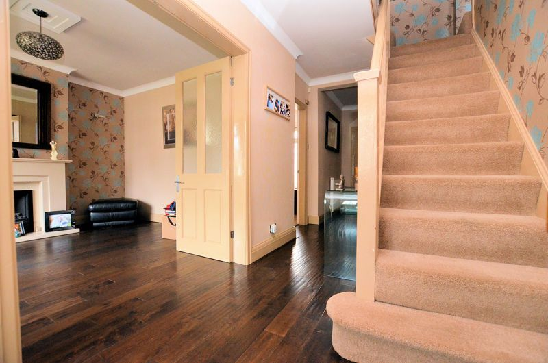 4 bed house for sale in Brandhall Road  - Property Image 3