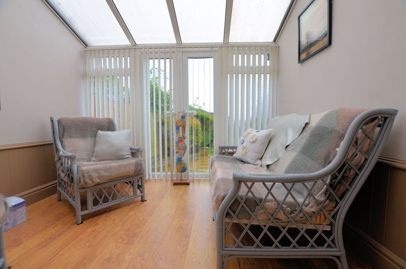 4 bed house for sale in Brandhall Road  - Property Image 5