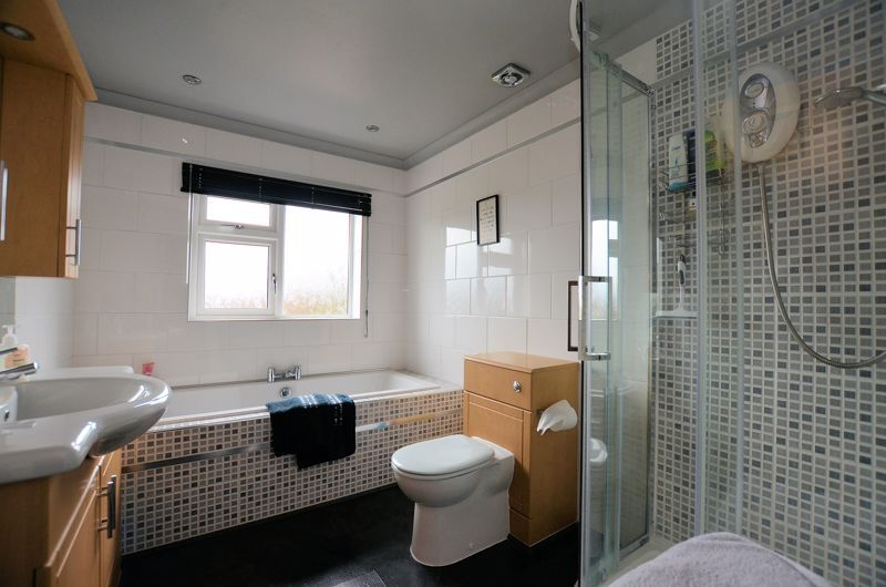 4 bed house for sale in Brandhall Road  - Property Image 10