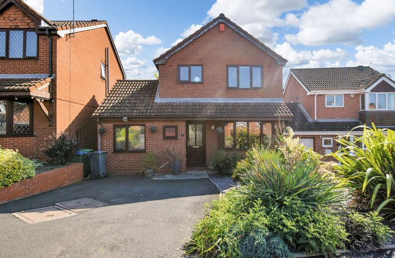 3 bed house for sale in Owens Way, B64