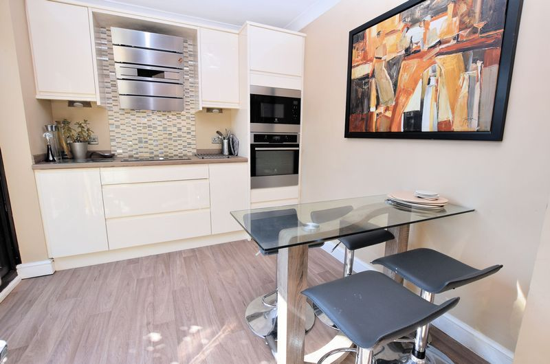 3 bed house for sale in Owens Way 5