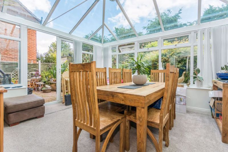 4 bed house for sale in Cornwall Avenue 6