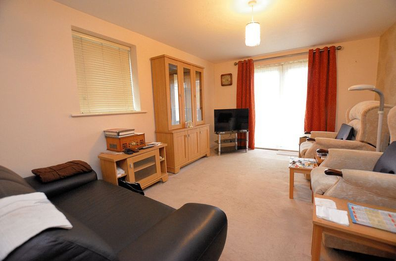 2 bed flat for sale in Kinsey Road 2