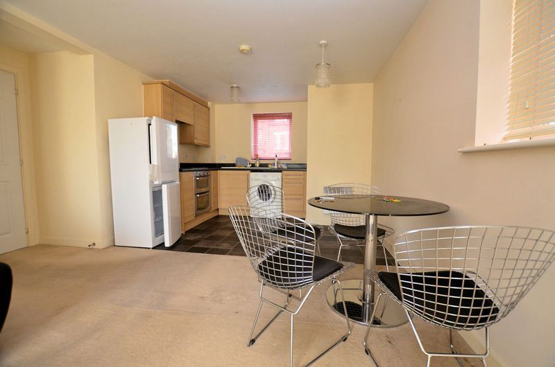 2 bed flat for sale in Kinsey Road 7
