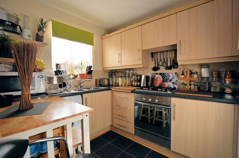 3 bed house for sale in Clay Lane 3