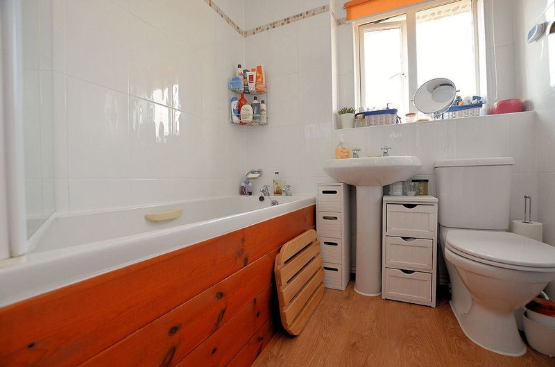 3 bed house for sale in Clay Lane  - Property Image 7