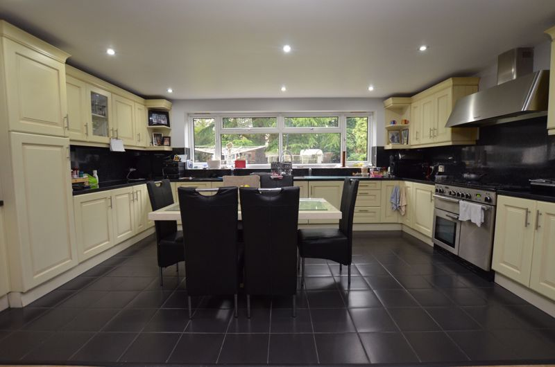 6 bed house for sale in Croftdown Road 13