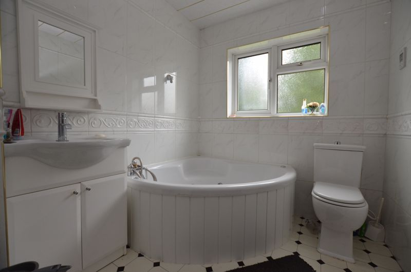 6 bed house for sale in Croftdown Road  - Property Image 6