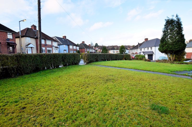 3 bed house for sale in Edmonds Road 3