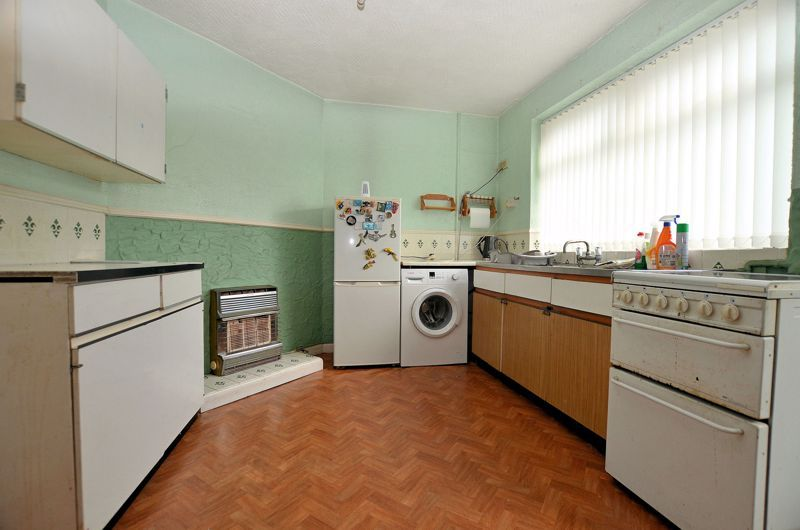 3 bed house for sale in Edmonds Road 4