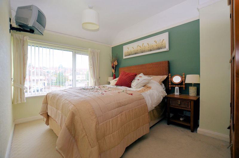 3 bed house for sale in Edmonds Road  - Property Image 5