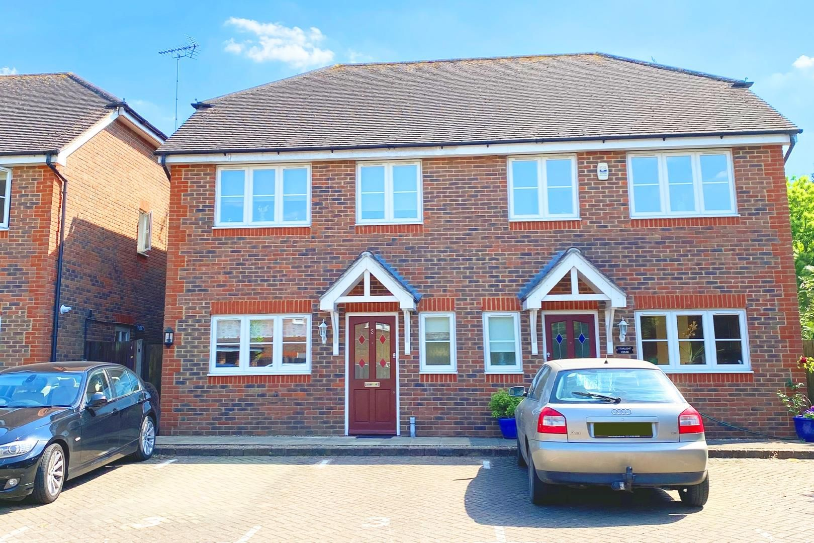 3 bed semi-detached for sale in Warfield - Property Image 1