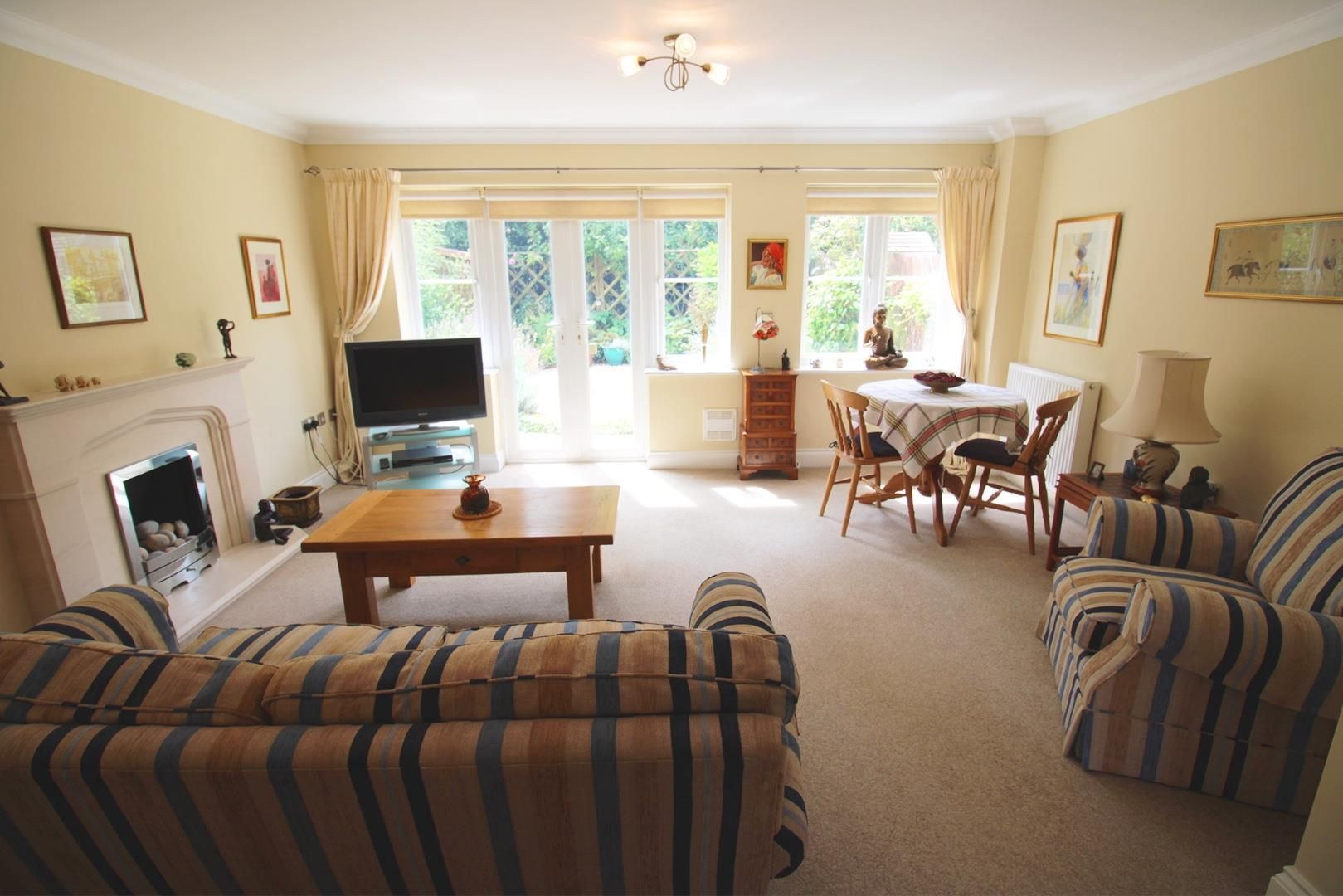 3 bed semi-detached for sale in Warfield 2